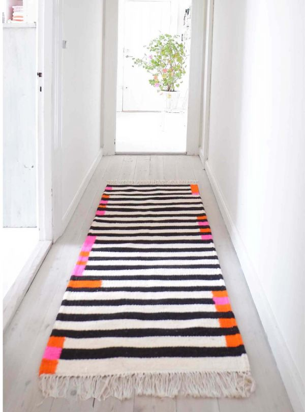 Runner rug Classic no. 1 - WOVEN ON DEMAND