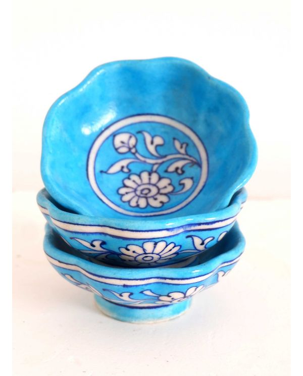 Blue pottery opsats