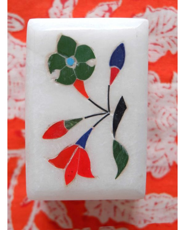 Marble box with inlaid flowers